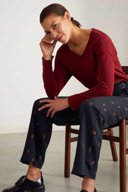 Thought Pullover mit Wolle Loren weinrot